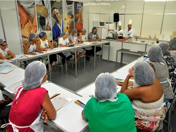 Feira do Empreendedor do Sebrae na Bahia em 2011 - Curso de comida japonesa (Foto: Sebrae/Divulgação)
