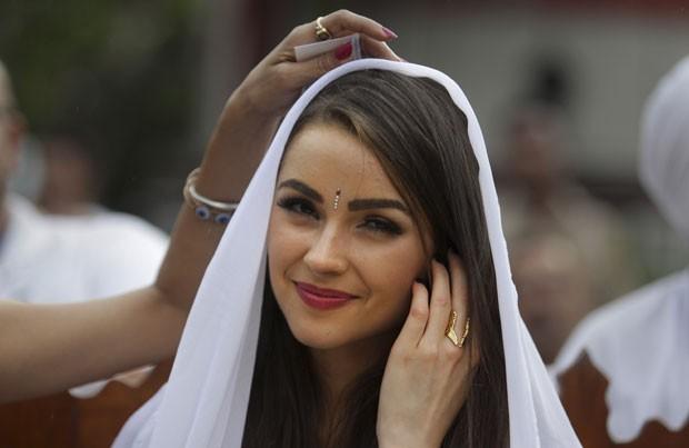 Miss Universo pode ser multada após posar para fotos no Taj Mahal (Foto: Tsering Topgyal/AP)