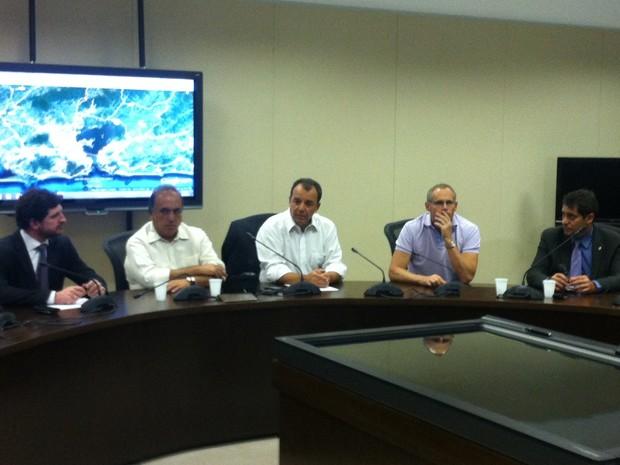 Governador Sérgio Cabral convocou gabinete de crise para discutir providências  (Foto: Marcelo Elizardo / G1)