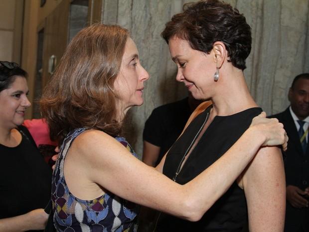 Betty Gofman e Júlia Lemmertz em estreia de peça no Centro do Rio (Foto: Anderson Borde/ Ag. News)