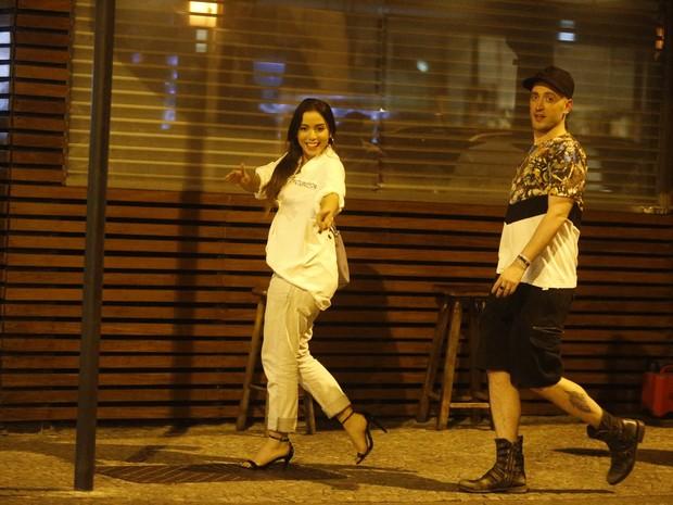Anitta e Paulo Gustavo na Zona Sul do Rio (Foto: Ag. News)