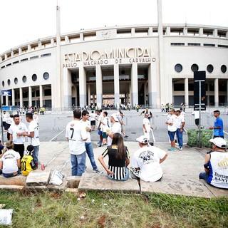 torcida santos pacaembu final campeonato paulista (Foto: Marcos Ribolli / Globoesporte.com)