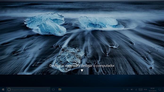 Windows 10 pode ser desligado com arrastar de dedos como no Windows Phone (Foto: Reprodução/Elson de Souza)