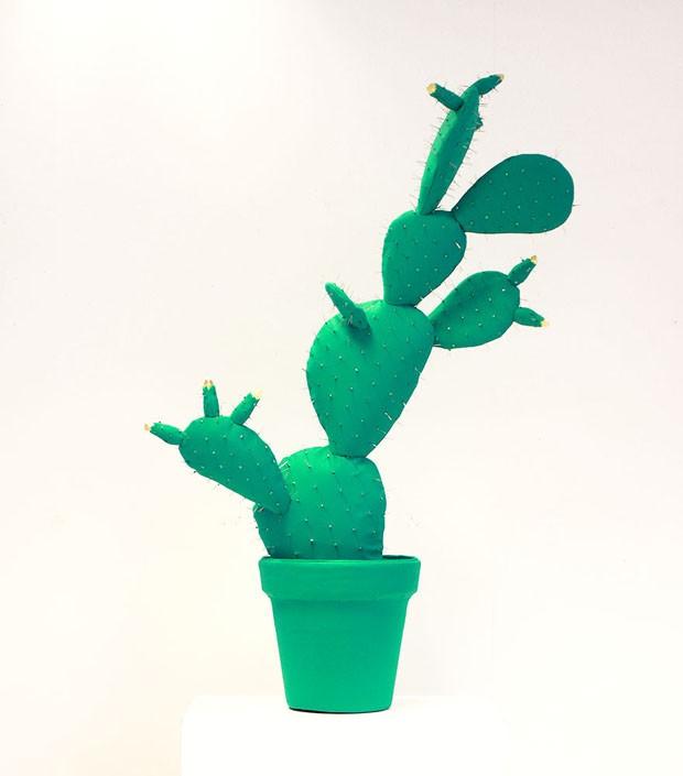 Plantas de feltro em cores ousadas são item de decoração inesperado (Foto: divulgação)