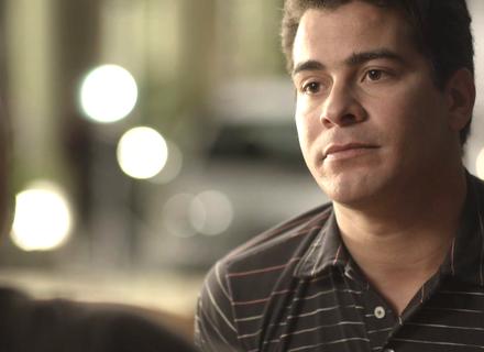 Teaser: Júlio revela a Antônia que está namorando Cíntia