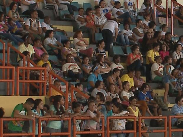 """Com o tema """"Meu espírito exulta de alegria"""", cerca de 20 mil pessoas devem passar pelo local (Foto: Reprodução/TV Mirante)"""