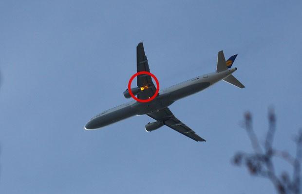 Imagem mostra avião com problemas no ar, logo após a decolagem na Finlândia (Foto: Marjo Karppanen/MVphotos/Polaris)