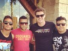 Neymar almoça com os amigos