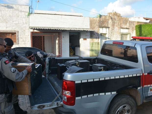 Polícia apreende caça-níqueis em João Pessoa (Foto: Walter Paparazzo/G1)