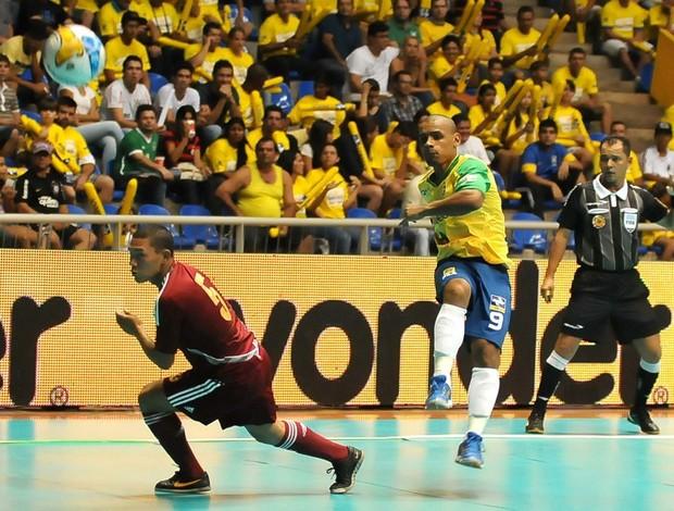 Lukaian Brasil x Venezuela Circuito Sul-Americano (Foto: Luciano Bergamaschi/CBFS)