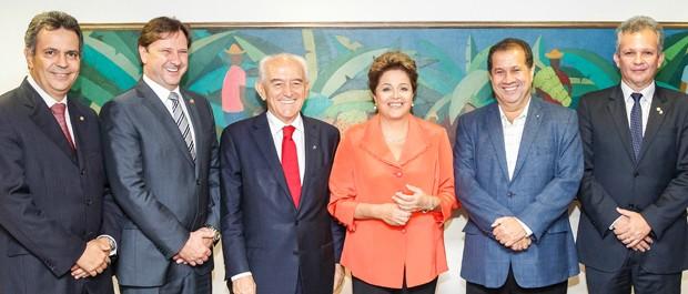 Dilma Rousseff durante encontro em abril com o presidente do PDT, Carlos Lupi, o ministro do Trabalho, Manoel Dias, e outras lideranças do partido (Foto: Roberto Stuckert Filho/PR)