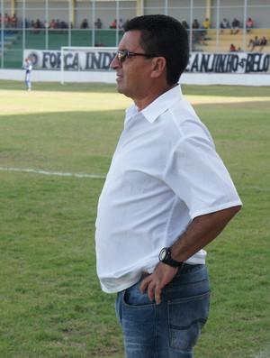 Totonho, auxiliar técnico do Botafogo-PB (Foto: Lucas Barros)