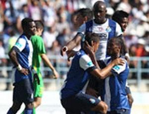 Jogadores do Porto na vitória sobre o Santa Eulália (Foto: Divulgação)
