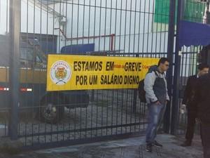 Trabalhadores do transporte de valores fazem greve em SC (Foto: Sintravasc/Divulgação)