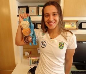 Larissa Martins Oliveira natação Juiz de Fora medalhas pan (Foto: Bruno Ribeiro)