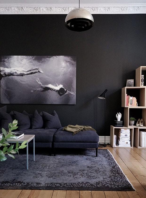 Décor do dia: sala de estar em tons de preto (Foto: reprodução)