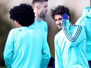 Pato treino Chelsea (Foto: Reuters / Matthew Childs)