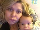 Bárbara Borges faz caras e bocas ao lado do filho caçula, Theo