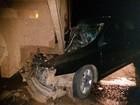 Homem fica ferido em colisão entre carro e bitrem carregado de cana