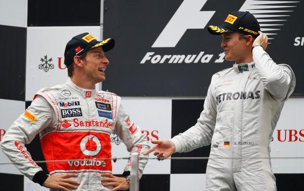 Emerson Fittipaldi aponta Button e Rosberg como favoritos ao título de 2012 (Foto: Getty Images)