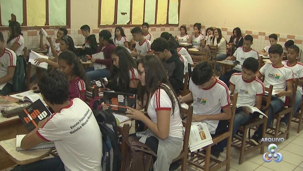 Ensino médio integrado começou na segunda-feira (10) em Rio Branco (Foto: Reprodução/Rede Amazônica Acre)