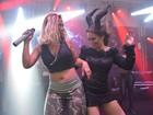 Valesca Popozuda dança funk com Solange Almeida em aniversário
