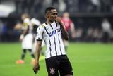 Belletti: Corinthians foi inteligente para aproveitar espaços na zaga do Vasco