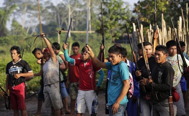 Guerreiros Ka'apor decidiram agir de forma independente no último dia 7 de agosto (Foto: Lunae Parracho/Reuters)