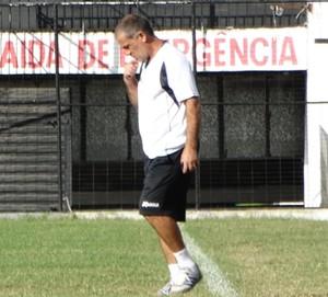 Técnico Celso Teixeira (Foto: Lafaete Vaz / GloboEsporte.com)