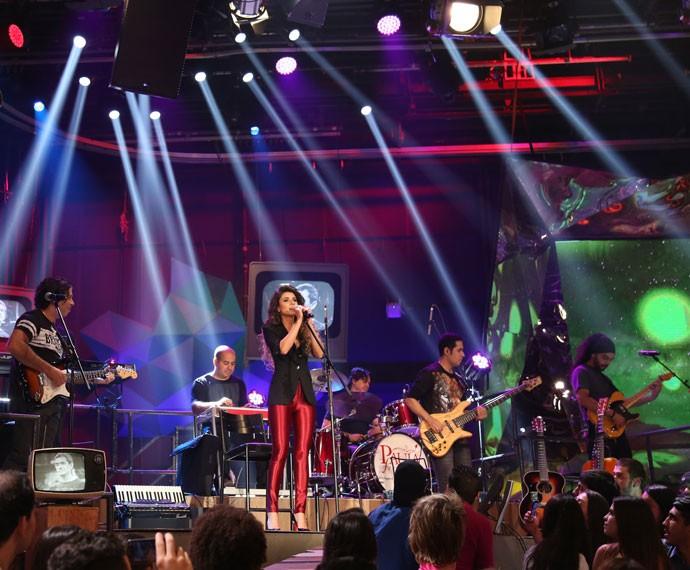 Paula Fernandes se apresenta do programa Altas Horas (Foto: Carol Caminha/Gshow)