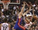 DeRozan dá show, marca 40 pontos, e Raptors vencem os Pistons na estreia