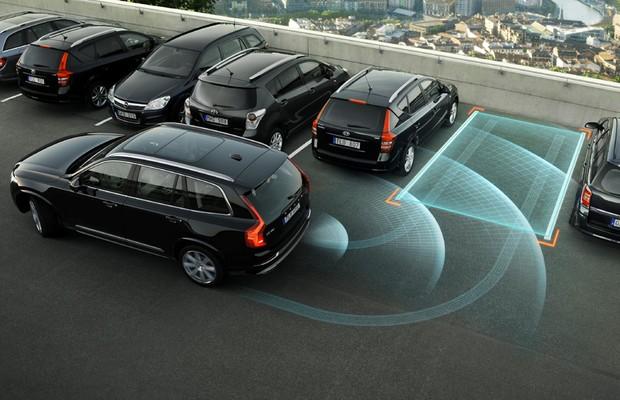 Sistema de estacionamento automático do Volvo XC90 (Foto: Divulgação)