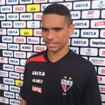 Luiz Fernando - meia do Atlético-GO (Foto: Fernando Vasconcelos / GloboEsporte.com)