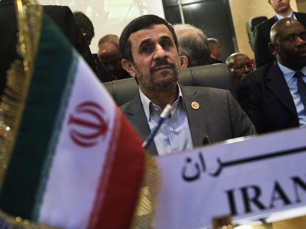 Presidente iraniano Mahmoud Ahmadinejad participa da cúpula 12 da Organização Islâmica de Cooperação  (Foto: AFP PHOTO / GIANLUIGI GUERCIA)