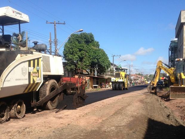 Trabalho foi iniciado nesta terça-feira (1º) em bairro da Zona Leste de Macapá (Foto: Dyepeson Martins/G1)