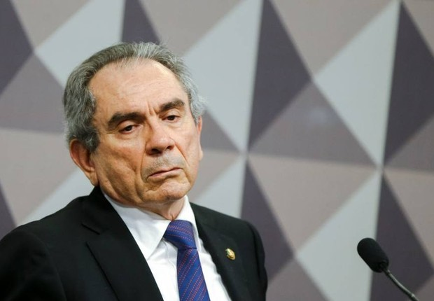 O senador Raimundo Lira (PMDB-PB) (Foto: Marcelo Camargo/Agência Brasil)