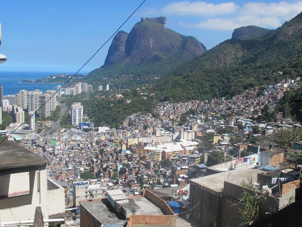 A Rocinha é considerada o maior ponto de venda de drogas da Zona Sul do Rio (Foto: Janaína Carvalho)