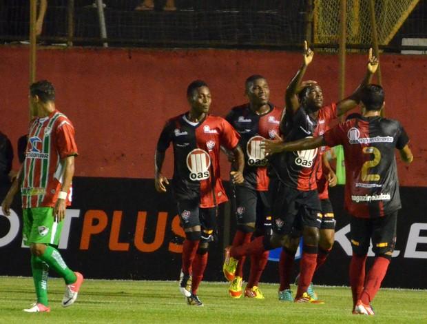 Marcelo Nicácio gol Vitória (Foto: Erik Salles / Ag. Estado)