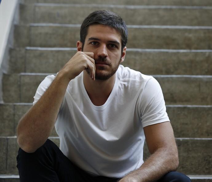 Marco Pigossi adianta que seu personagem terá personalidade transformada por decepção (Foto: Ellen Soares / Gshow)