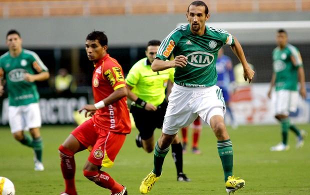 Barcos na partida do Palmeiras contra o Atlético Sorocaba (Foto: Luis Moura / Ag. Estado)