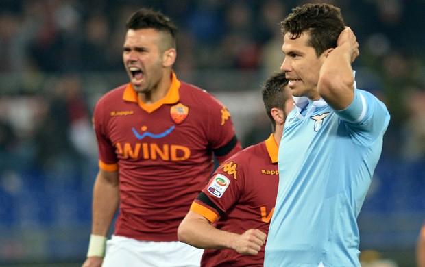 Hernanes lamenta - Roma x Lazio (Foto: AFP)
