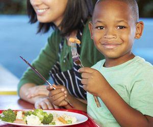 Verdinho e caroço de feijão? Kapim ajuda a solucionar 'dramas' da alimentação infantil