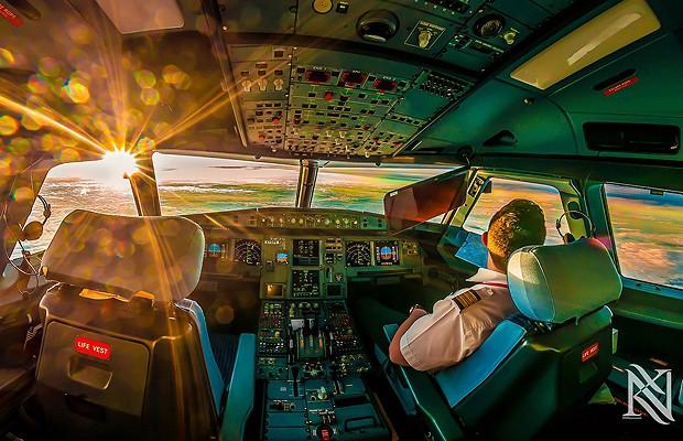O piloto Karim Nafatni aproveita seu trabalho para apreciar a paisagem (Foto: Reprodução/Karim Nafatni)