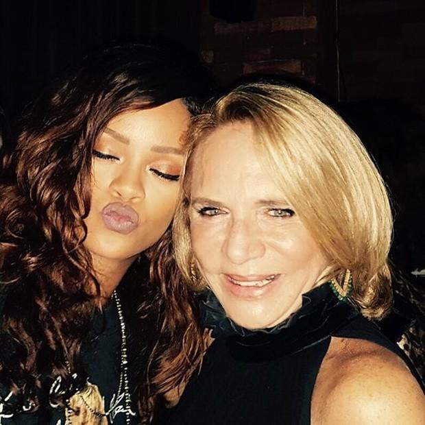 Rihanna e Lenny Niemeyer em festa no Rio (Foto: Reprodução/Instagram)