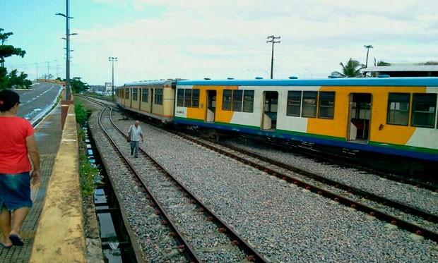 Vagões saíram dos trilhos na estação da Ribeira, em Natal; ninguém ficou ferido (Foto: Larisse Souza/Inter TV Cabugi)