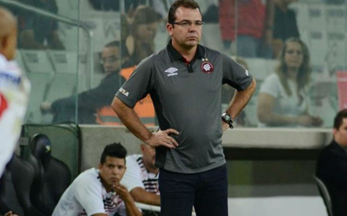 Enderson Moreira (Foto: Giuliano Gomes/Agência PRPRESS)