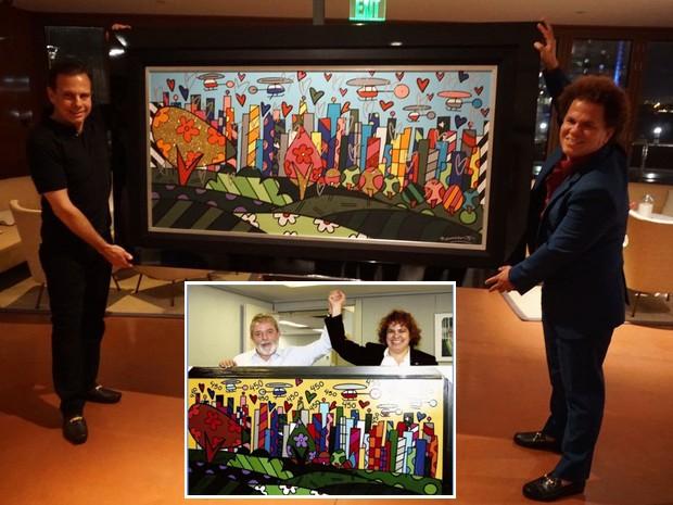 Artista Romero Britto entregou quadro de à cidade de São Paulo diretamente ao prefeito eleito; obra é semelhante à entregue pela irmã do artista a Lula em 2008 (Foto: Divulgação/Assessoria João Doria/Reprodução/Site Romero Britto))