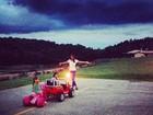 Após trabalhar, Ticiane Pinheiro brinca com filha e sobrinha