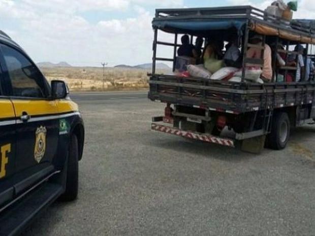 PRF vai orientar romeiros a escolherem transporte seguro  (Foto: PRF/Divulgação)
