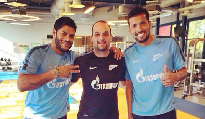 Fisioterapeuta do Zenit Eduardo Santos com Hulk e Garay (Foto: Reprodução / Instagram)